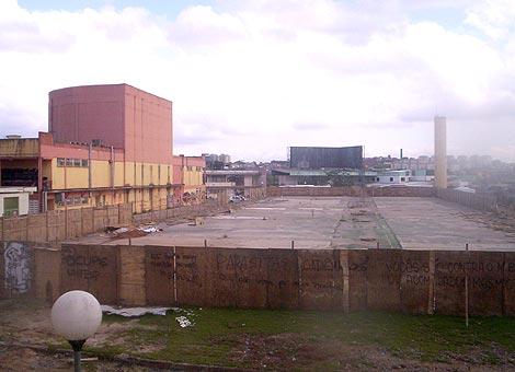 Espaço onde deveria existir o prédio principal da Unifesp