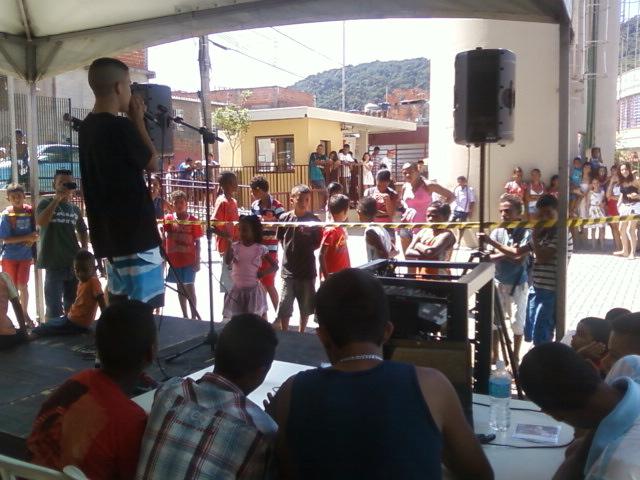 Família Robin Hood estreia em palco do CEU Paz, zona norte de SP