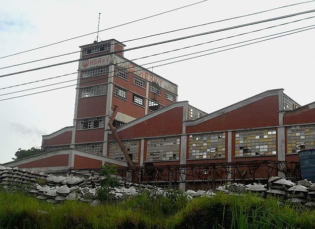 Prédio no início de janeiro, antes da demolição. Construção ocorreu em 1950