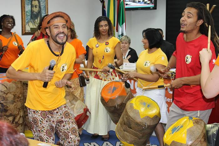 Grupo se apresenta na Câmara Municipal (Foto: Divulgação)