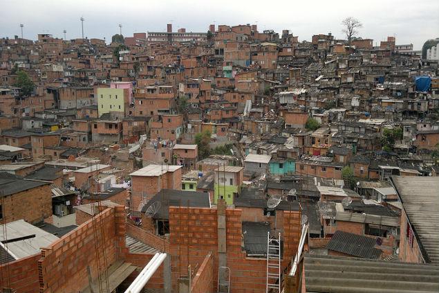 Casas em Paraisópolis alcançam até sete andares (crédito: Vagner Alencar).