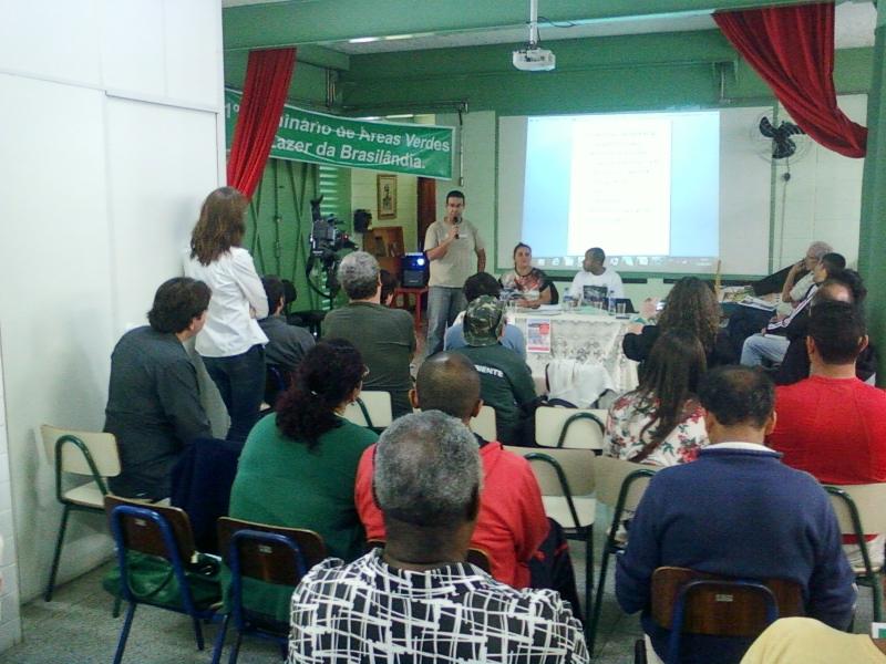 Apresentação no Seminário de Áreas Verdes e Lazer da Brasilândia, zona norte (foto: Cléber Arruda)
