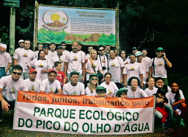Mobilização dos moradores na caminhada contou com faixas e camisetas. Foto: Humberto do Lago Müller