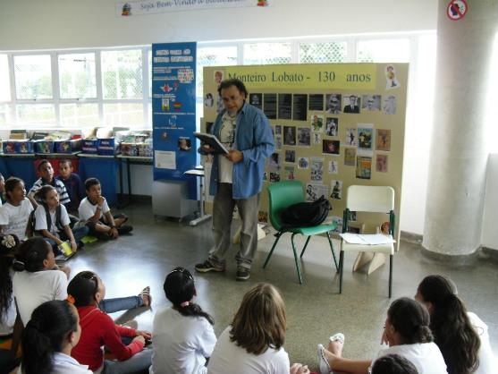 Zé Sarmento ministra palestras em escolas e bibliotecas públicas
