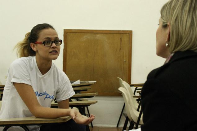A estudante Vanessa Aragão é bolsista no cursinho.