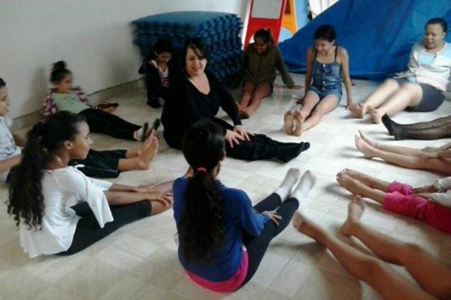 Aulas de balé no Instituto Lucas Dias de Souza (Divulgação)