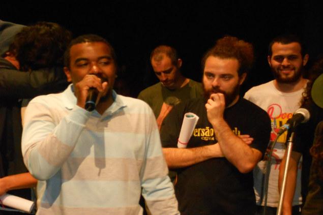Akins Kintê, vencedor do 1º Festival de Poesia de São Paulo (Créditos: Lívia Lima)