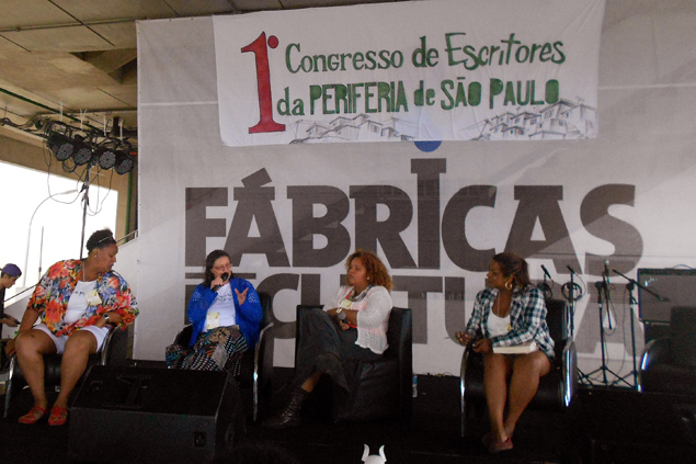 """Rose Dorea, Maria Vilani, Luciene Santos e Alessandra Raphael na mesa """"A força da mulher na literatura"""""""