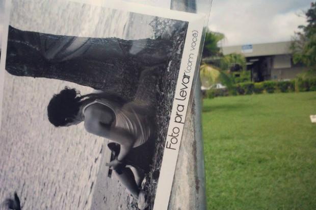 """""""Foto pra levar"""" projeto espalha fotos pelas ruas da cidade em Mogi das Cruzes (Foto: Rubens Hideo/Divulgação)"""