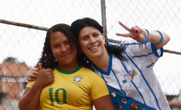 Thais (a direita) junto a Tatiana. Projeto terá um novo site