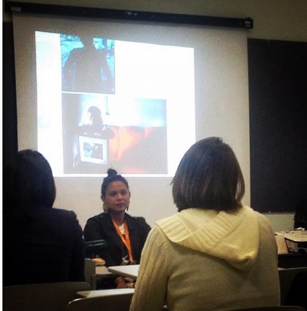 A jornalista Fabiana Moraes, durante sua palestra sobre a delicada relação repórter-fonte -no Congresso de Jornalismo Investigativo da Abraji