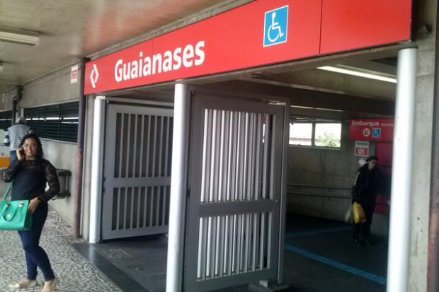 Entrada da estação indica que existe acessibilidade