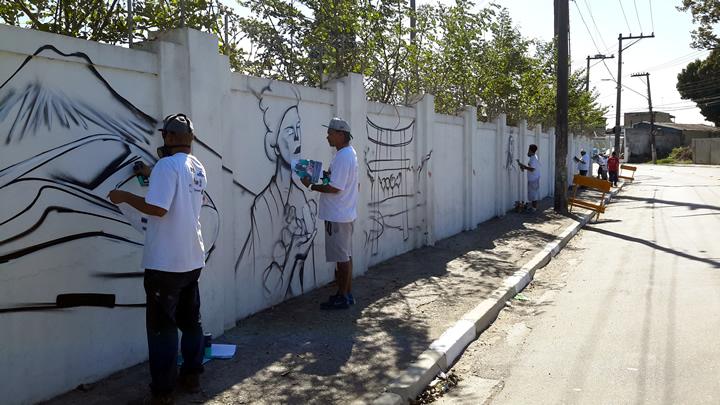 Cerca de 30 grafiteiros irão contar a história de São Miguel em 900 metros de muros