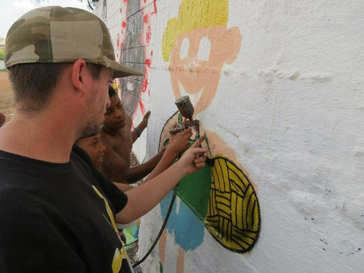 oficina de graffiti q prodi ... nças da sua comunidade.