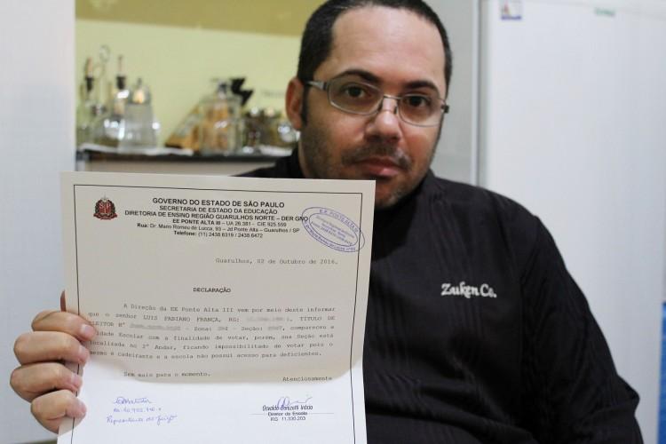 Documento emitido pela escola sobre o problema de acessibilidade (Foto) Thalita Monte Santo/Folhapress)